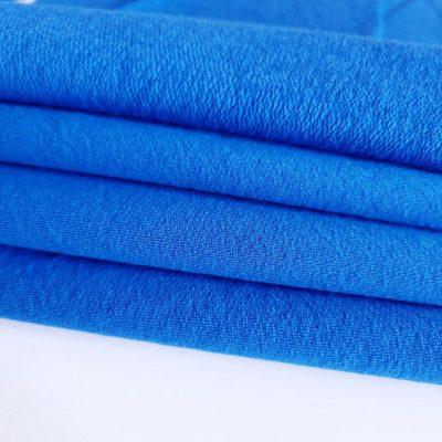 Skaisti mėlyna