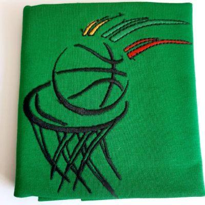 Siuvinėas Basketball žaliame fone