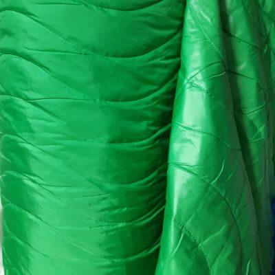 Žalias dvipusis striukinis audinys