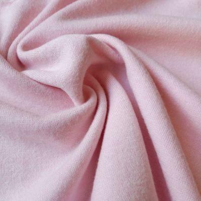 Baby pink megztas trikotažas