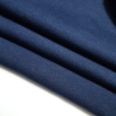 Tamsiai mėlynas pūkis 320gr