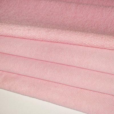 Švarus rožinis trisiūlis